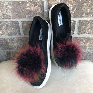 Steve Madden Pom Pom Sneakers Size 8.5